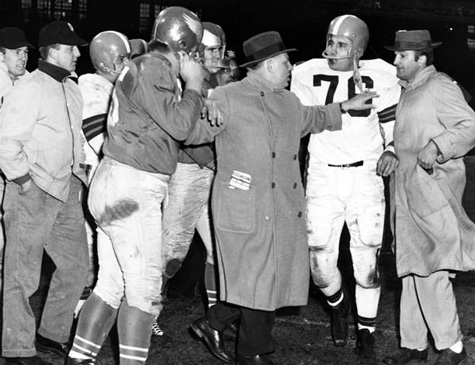 Lou Groza and Frank Kilroy during post-game argument, Cleveland Browns vs. Philadelphia Eagles, 1954