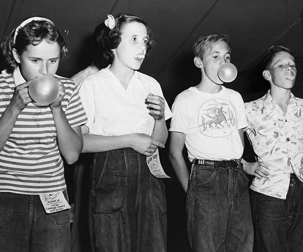 1952: Kids Have Fun At The Cuyahoga County Fair
