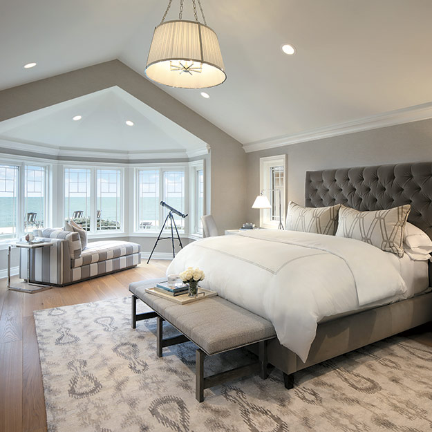 Traditional Style Bedroom