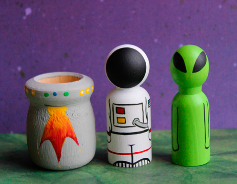 Pint-Sized Pegs' Space Peg Doll Set