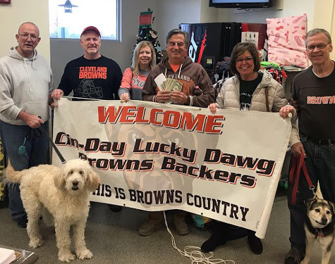 Cin-Day Lucky Dawgs Browns Backers donate to local animal shelter.