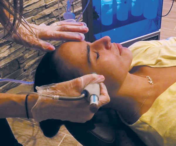 Hydrafacials Cleanse, Extract And Hydrate