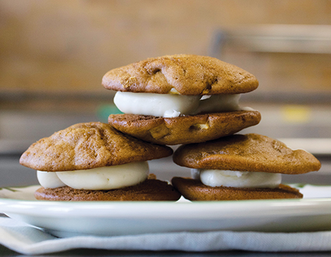Spiced Apple Whoopie Pies